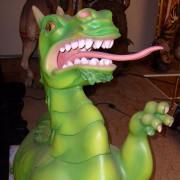 Eujro-salon-carosel-dragon-bust