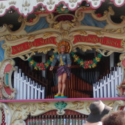 Frei_Munich_Octoberfest_Orgel-detail1