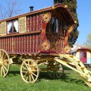1902-original-Hearst-gypsy-wagon-full-2