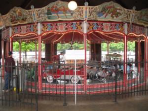 Trim-Hennecke-1950-auto-carousel