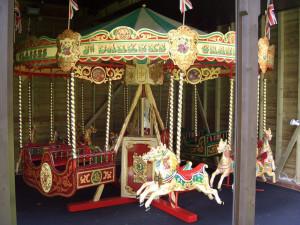 1895-Juvenile-Halstead-hand-crank-roundabout-carousel-3