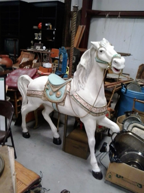 Fiberglass-carousel-horse-stander