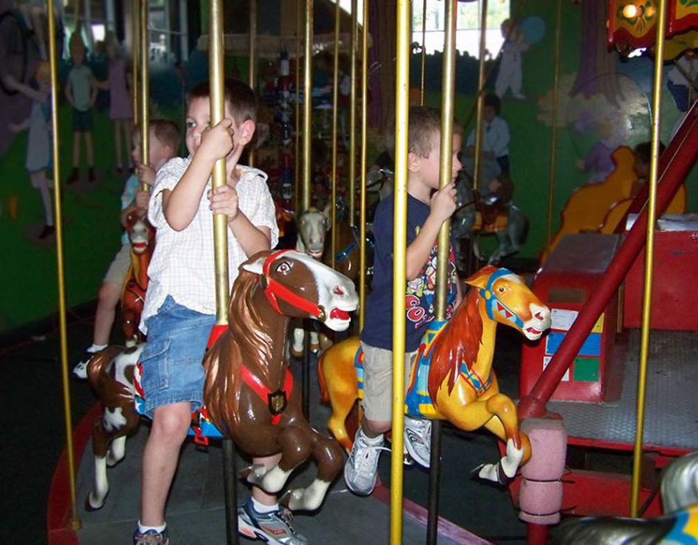 herschell-kiddie-carousel-tonawanda-museum