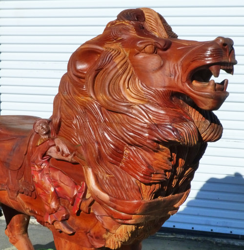 contemporary-carousel-lion-bust
