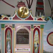 Wurlitzer-146B-top-detail