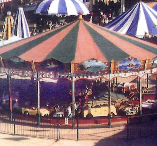 1950s-Hennecke-Auto-Carousel-operating-thmb