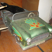 Vintage-Hennecke-German-auto-carousel-Open-conv