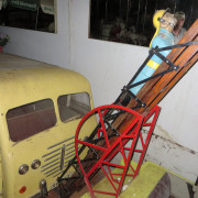 Vintage-Hennecke-German-auto-carousel-fireman