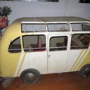 ca-1950s-Hennecke-German-auto-carousel-bus